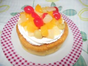 マルキヨ製菓の商品で、リーズナブルなクリスマスケーキを