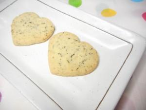 暑い夏にはこのお菓子「塩もずくクッキー」